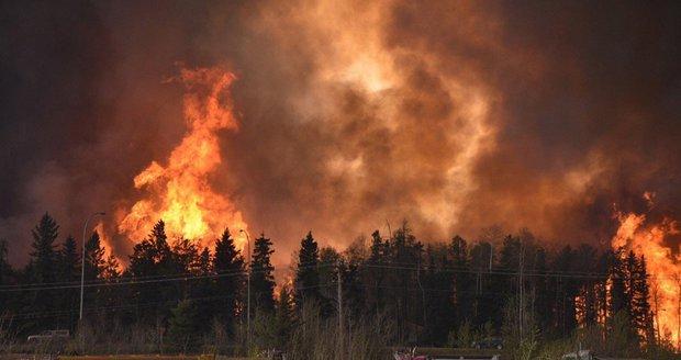 Kanadské město lehá popelem: Evakuováno bylo 80 tisíc lidí