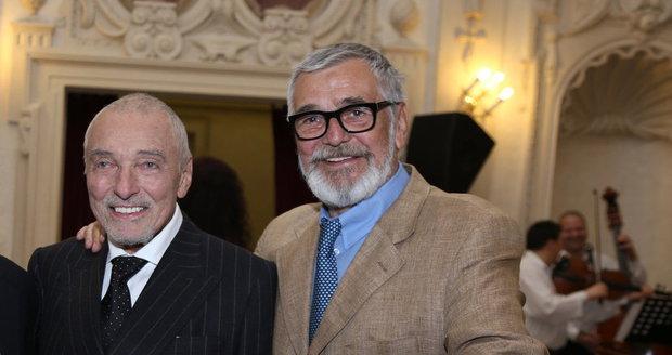 Karel Gott a Jiří Bartoška zdárně porazili rakovinu mízních uzlin.