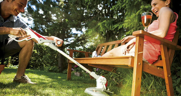 Díky strunovým sekačkám bude váš trávník dokonale zastřižen i v těch nejméně přístupných místech.