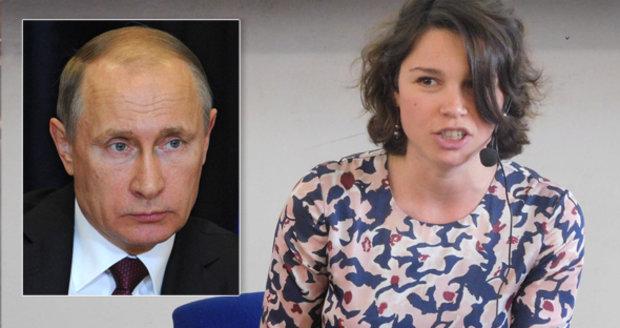 """Dcera zavražděného Rusa v Praze: Pro Putinovu propagandu jsou nepřátelé """"švábi"""""""