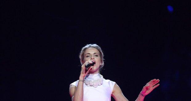 Na soutěž si zpěvačka záměrně vybrala takové šaty, aby v nich nebyla provokativní.