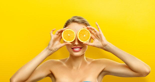 Dejte si pozor, v ovocných přesnídávkách mohou být cukry nejen z ovoce, ale i přidané. Ty vám k ideální postavě příliš nepomůžou.