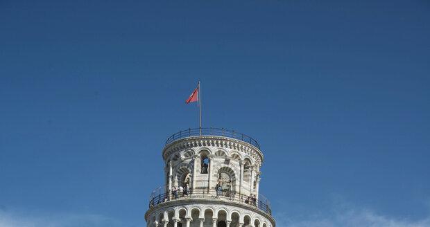 Legendární šikmá věž v Pise