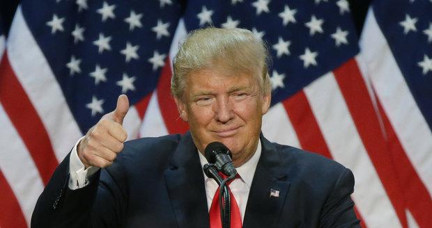 Trump má finále boje o Bílý dům jisté, spočítali novináři. Zatím jen o hlas