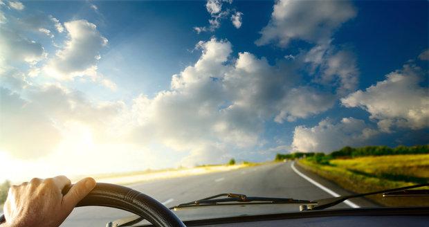 Správně klimatizovaný vůz: Jak si nedělat z auta mrazák a nedýchat bakterie?