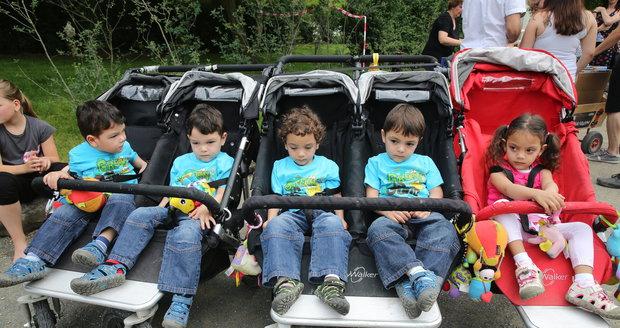 Zleva: Michael, Alex, Martin, Deniel a Terezka oslavili 3. narozeniny.