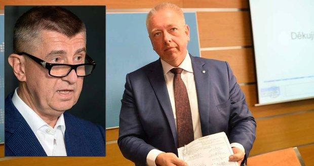 Babiš po hodinách jednání: Koalice potřebuje restart, Chovanec je arogantní
