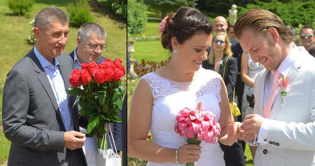 Babiš stihl svatbu na poslední chvíli. Jermanové přinesl puget rudých růží