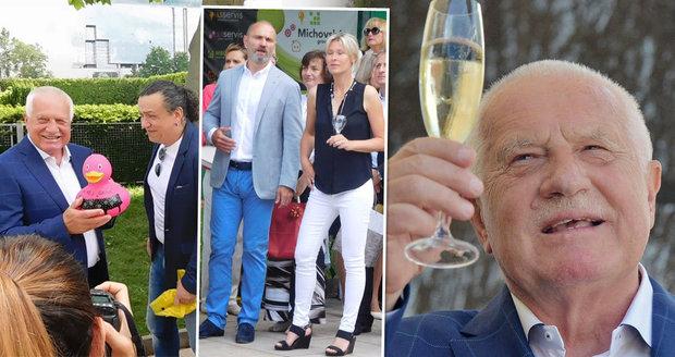 Klaus slavil 75 let. Přáli mu Langer, Bém či Genzer, zazpívali Brichta a Bílá