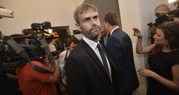 "Reorganizaci policie chtěl sám Šlachta, tvrdil ""na koberečku"" exministr Pecina"