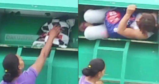 Dvě Slovenky vykrádaly kontejnery s oblečením pro charitu.