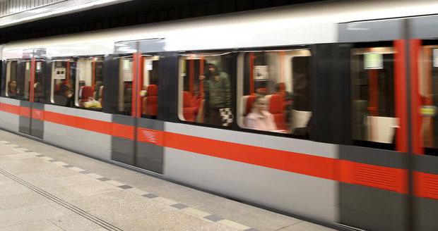 Stanici metra I. P. Pavlova uzavřeli policisté. (ilustrační foto)