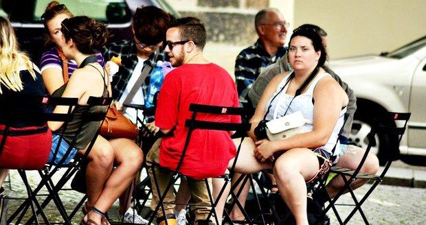 Stolky a židle se mají v Praze objevit na spoustě dalších míst.