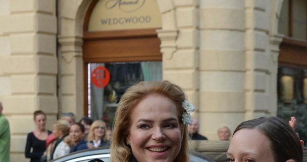 Dagmar Havlová se oblékla teple.