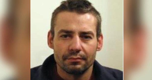 Z věznice Bytíz uprchl v+zeň David Vácha, který může být ozbrojen.