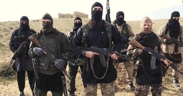 Islámský stát urputně brání poslední baštu. V opevněné vesnici drží tisícovku civilistů