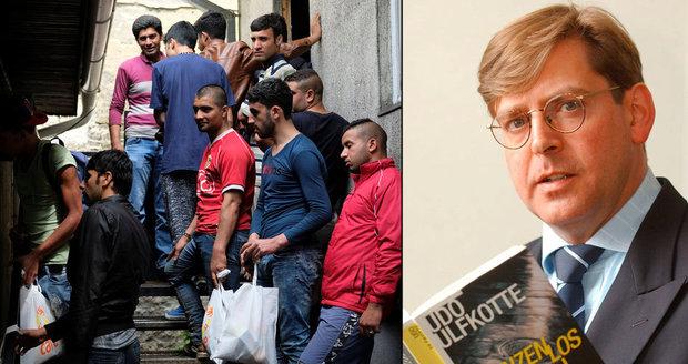 Novinář napsal knihu o údajných zločinech migrantů: Facebook autora zablokoval