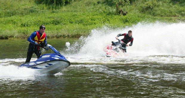 Brno chtělo provoz motorových plavidel na přehradě regulovat, ministerstvo vnitra se vzepřelo.