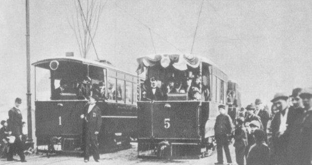 První elektrická tramvaj v Praze se rozjela před 18. července 1891.