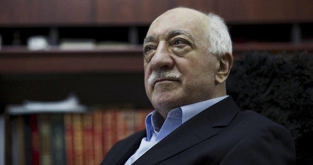 """Puč v Turecku chystal sám Erdogan? Gülen: """"Čekal jen na správnou příležitost"""""""