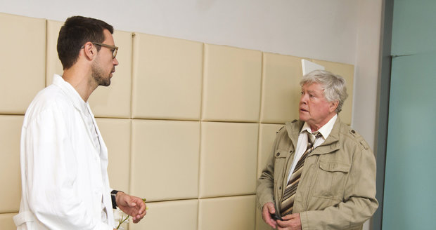 Se svým seriálovým synem Jáchymem Kalinou (L. Hejlíkem) z Ordinace