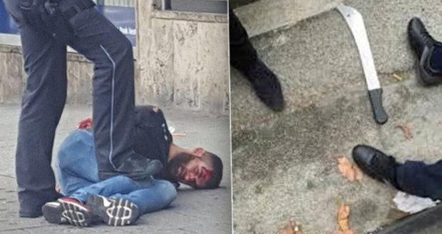 Syrský uprchlík útočil mačetou: V Německu zabil těhotnou ženu, další lidi zranil