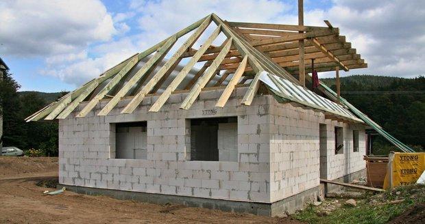Stavba domů i bez povolení, rychlejší vznik dálnic: Co změnil stavební zákon?