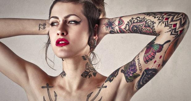 Rakovina i neplodnost. Tetování vám může zničit život, varují odborníci