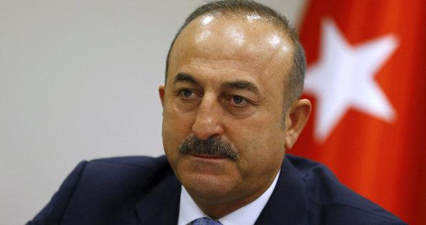 Zákaz, nezákaz: Turecký ministr chce v Hamburku vystoupit za každou cenu