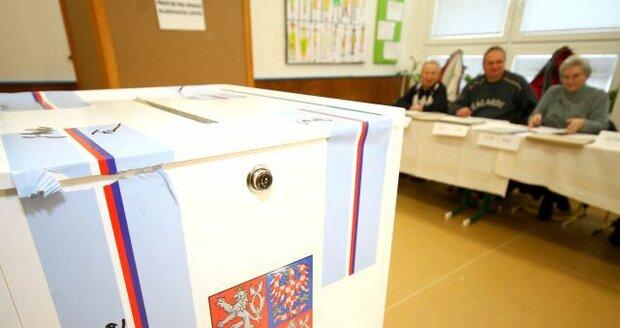 VOLBY 2016: Přehled kandidujících stran v jednotlivých krajích