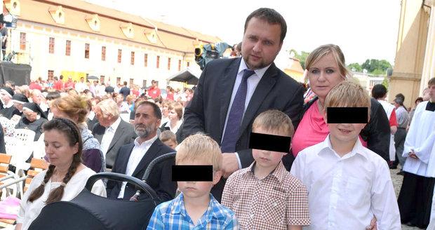 Táta Jurečka si stěžuje na diskriminaci. Chce změny v rodinném vstupném