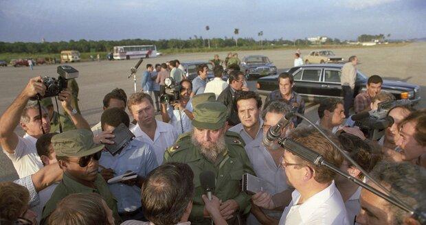 Fidel Castro v obležení novinářů v roce 1988