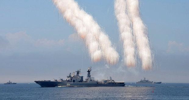 Rusové si v pondělí vyzkouší boj. Námořnictvo vyplulo do Středozemního moře