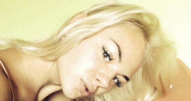 Krásná blondýnka Romana záhadně zmizela, poslední stopa vede do Švýcarska
