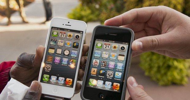 """Apple čelí žalobám za """"kazítka"""" ve starších iPhonech. Schválně brzdí výkon"""