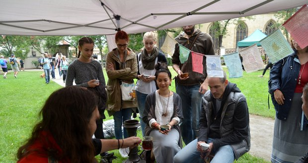 Největší pražská čajovna pod širým nebem: Čajomír láká na ochutnávky z celého světa