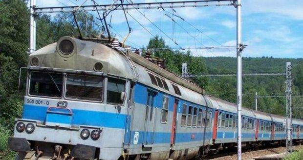 České dráhy dostaly miliardy. Řada vlaků je i tak v otřesném stavu, zlobí se inspekce