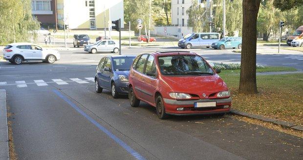 Radnice Prahy 4 zavede parkovací zóny od poloviny příštího roku.