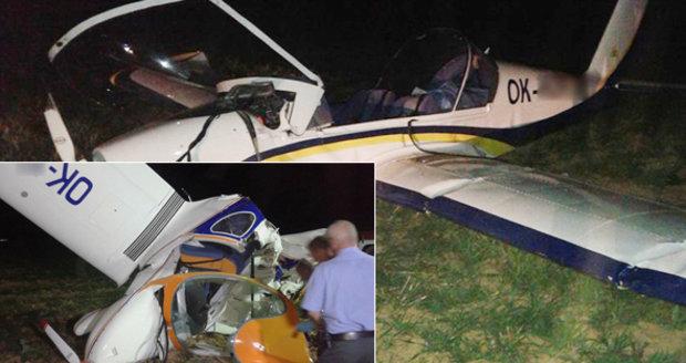 Na Olomoucku se srazila letadla: Pilot je mrtvý, další muži jsou zranění