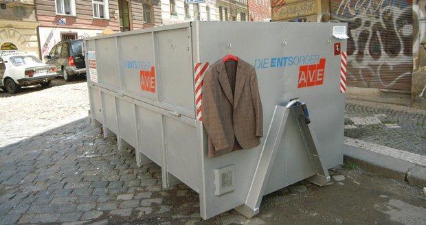 V Praze-Královicích zveřejnili harmonogram přistavení kontejnerů na nebezpečný odpad, bioodpad či velkoobjemový odpad. (ilustrační foto)