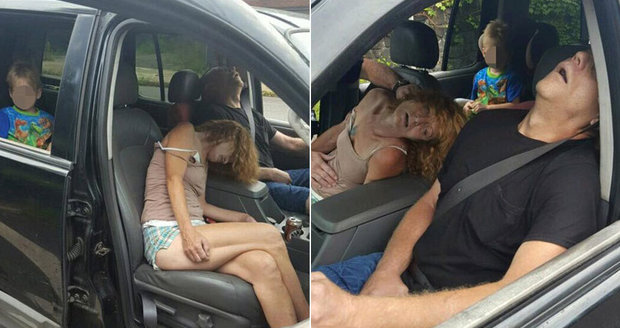 Šokující foto: Zfetovaní rodiče omdleli v autě před zraky malého syna (4), našla je policie