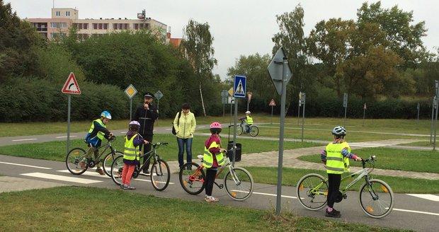 V Praze 14 se snaží varovat děti před úskalími silniční dopravy. (ilustrační foto)
