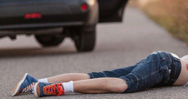 Dvě děti porazila v pondělí osobní auta v Brně. Ilustrační foto