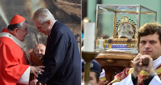 Pískání na Zemana, potlesk pro Havla: Poutníci uctili na mši svatého Václava