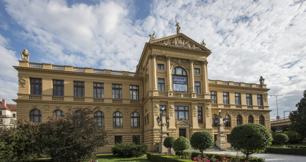 Hlavní budova Muzea hlavního města Prahy hostí den otevřených dveří.