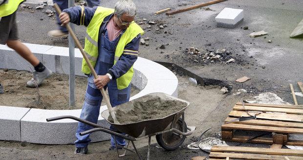 Minimální mzda stoupne: Od nového roku poskočí na 11 tisíc