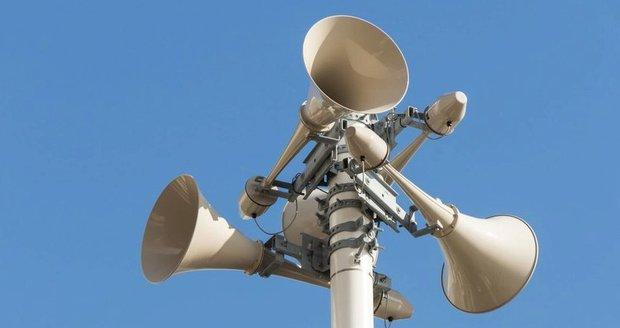 Praha testovala varování přes SMS, amplióny a sirény ale zůstanou zachovány.