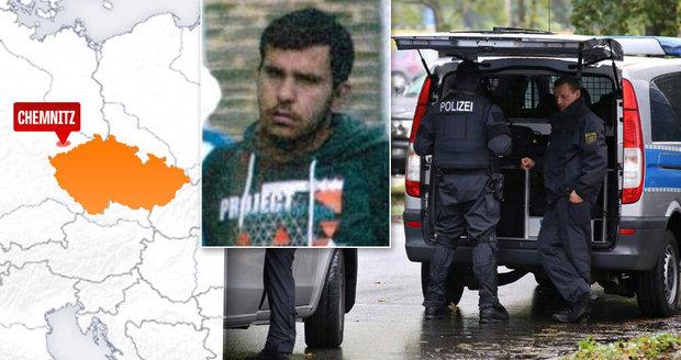 Hrozba bombového útoku u německých hranic: Podezřelý terorista se může skrývat v Česku