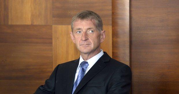 Lobbista Janoušek nemůže nastoupit do vězení. Stálo by ho to život, tvrdí lékaři