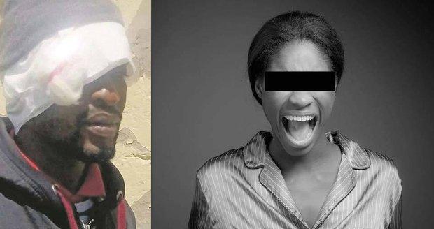 Mnombo Madyibi (32, vlevo) byl zbit novomanželkou, když na ni vytáhl svůj velký penis. Žena se bála, že jí zničí vaginu.